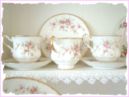Teacups_border